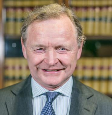 Mr Simon Theakston DL