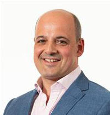 Mr Alex Raubitschek